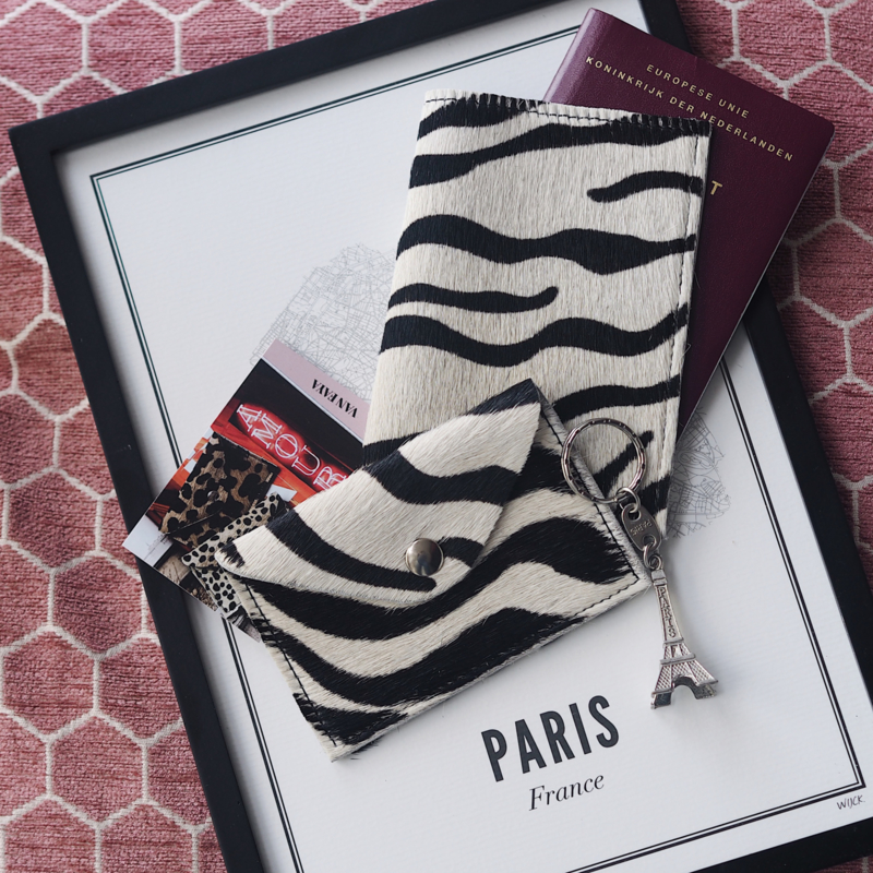 ZEBRA PASSPORT COVER