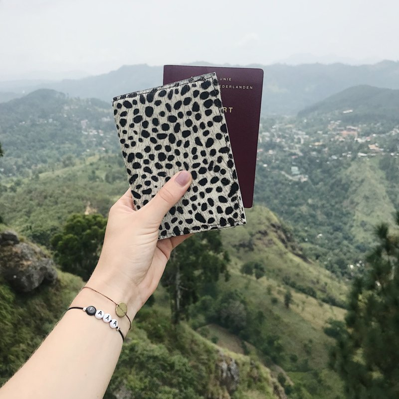 CHEETAH PASSPORT COVER