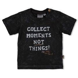 T-shirt Moments Looking Sharp