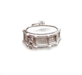 zilveren snare drum