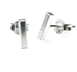 zilveren oorbellen kort staafje
