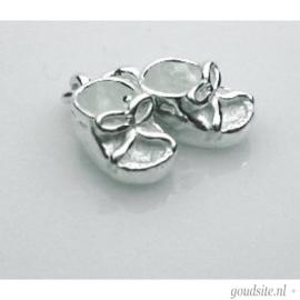 zilveren Babyschoentjes hangertje.