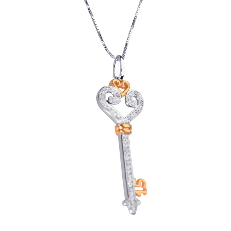 Hangertje sleutel 15  zilver verguld met briljant