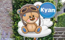Geboortebord Kyan - beertje met pilotenmuts ballon wolk