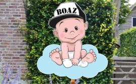 Geboortebord Boaz - stoere baby jongen met pet op wolk