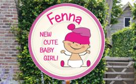 Geboortebord Fenna  -  baby met mutsje
