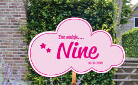 Geboortebord Nine - wolkje met sterretjes geboortedatum - Een meisje....