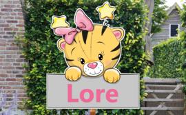 Geboortebord Lore  -  schattig tijgertje met strik en sterretjes