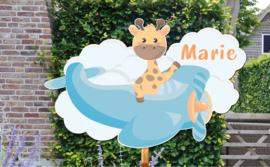Geboortebord Marie - giraffe in vliegtuigje