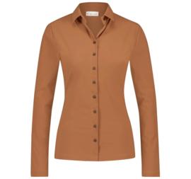 Jane Lushka 2021-2022 Kikkie Karamel travelstof blouse U7211100
