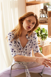 Jane Lushka 2021 Kikkie witte travelstof blouse bloesem UPF721210