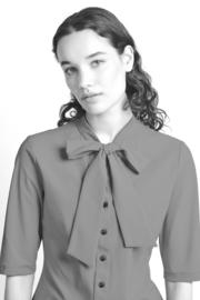 Jane Lushka 2021 Corina witte travelstof blouse U72122339P met pussy bow kraag