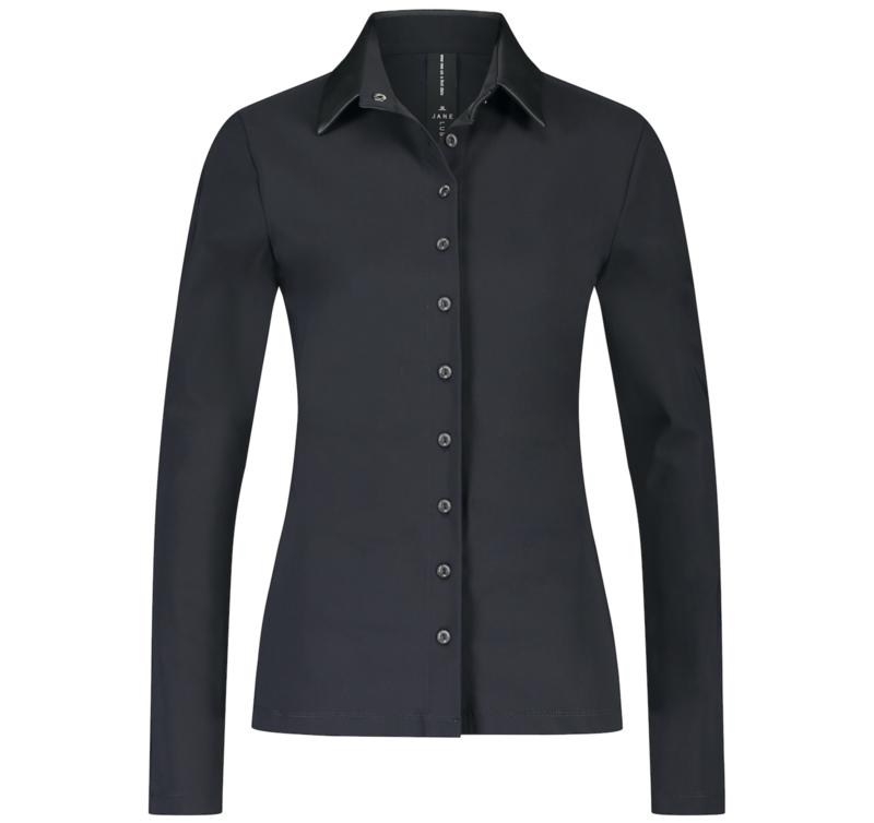 Jane Lushka 2021-2022 Kikkie zwarte travelstof blouse UL7211110 met lederlook kraag
