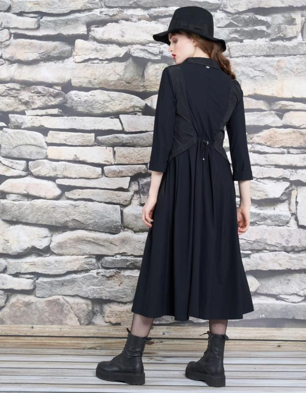 Mc Planet by Innate travelstof zwarte jurk Sooth