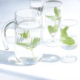 Glas - waterglas - op voet - vintage - set van twee (2x2 beschikbaar)