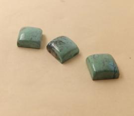 Turkoois uit Tibet 8x8mm per stuk met zetbakje.