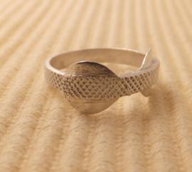 Ring Zilver maat 17,8mm zonder steen breed 3,5mm, 2 rondellen 8mm.