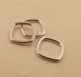 vierkante gesloten ring .  11x8,5x1,4mm