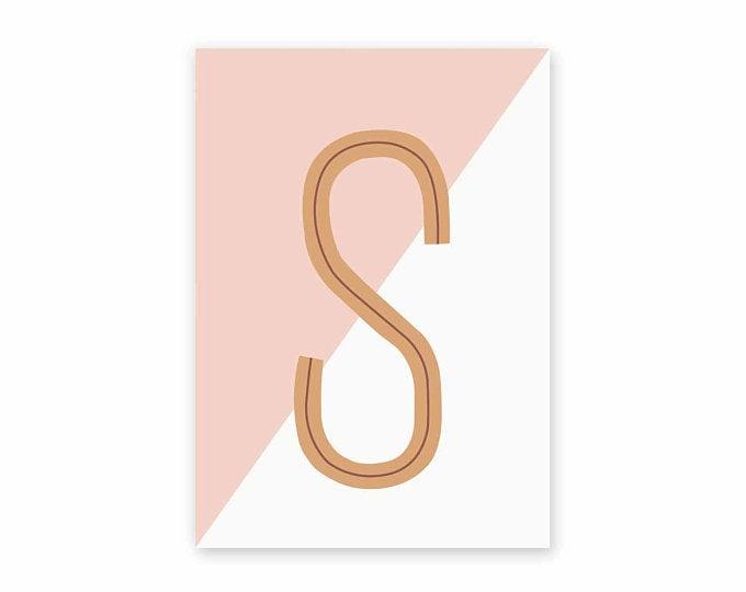 Postkaart Letter S roze/wit - Leonie van der Laan