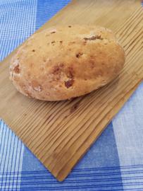 Gebuild brood met vulling (vegan)