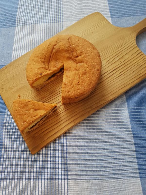Caketaart met vruchten vulling