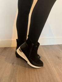 Sleehak sneaker zwart