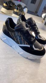 Suede Black/Gold sneaker Tango