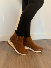 Sleehak sneaker camel