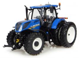 NH T7.225 tractor. UH4962. USA versie  Universal Hobbies Schaal 1:32