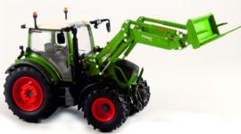 Fendt 313 Vario with front loader and fertilizer fork USK10641