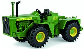 John Deere 8010 diesel van de NFTM  # ERTL45664A 1:32