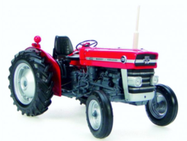 Massey Ferguson 135 tractor.UH2698 scale 1:16