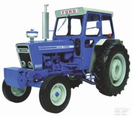 Ford 7600 met cab UH2799 Universal Hobbies Schaal 1:16