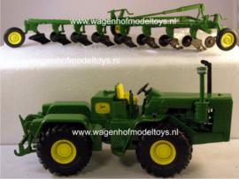 John Deere 8010 with 8 plow Plow City show 2009 ERTL16180A Scale 1:32