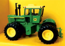 John Deere 7520 on Dual Wheels Collector ED ERTL15578A 1:32.