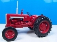 Valmet 565 Universal Hobbies Scale 1:16