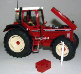 International Harverster 1455 XL SC7670.  Schuco Schaal 1:32