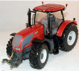 Valtra serie S 2009 rood  Universal Hobbies UH2812U Schaal 1:32