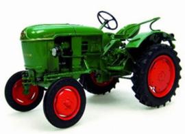 DEUTZ D15 tractor Universal Hobbies Scale 1:16