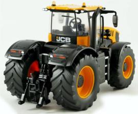 JCB Fastrac 8330 tractor. Britains. BR43206. Scale 1:32