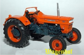 Someca 750 tractor UH2911  Universal Hobbies Schaal 1:32
