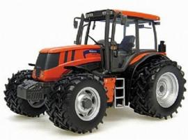 Terrion ATM 3180 tractor  Universal Hobbies.  Schaal 1:32