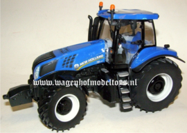 New Holland T8.390 Tractor BR42726 Britains Scale 1:32