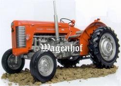 Massey Ferguson 65 MK II tractor Universal Hobbies Schaal 1:16