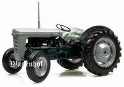 Ferguson TO35 Launch model (1954)  Universal Hobbies Schaal 1:16