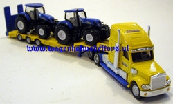 USA low loader with 2 NH tractors. SI1805. Siku Scale 1:87