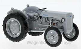 Ferguson TE-20 from 1953. Atlas - 7517004. Scale 1:32