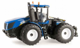 New Holland T9.565 FWD Prestige tractor ERTL 13858 Scale 1:32