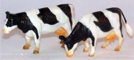 2 black and white cows - Kids Globe - Scale 1:32
