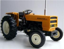 Renault 551 S tractor Universal Hobbies. UH5338  Schaal 1:32